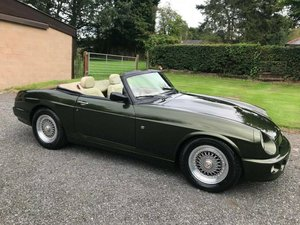 **REMAINS AVAILABLE** 1994 MG RV8 For Sale by Auction