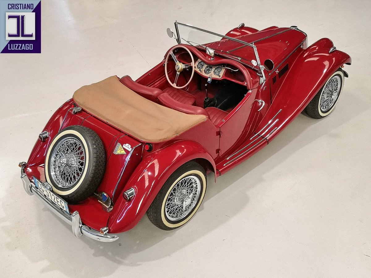 1954  TOTALLY RESTORED MG TF 1250  For Sale (picture 3 of 6)