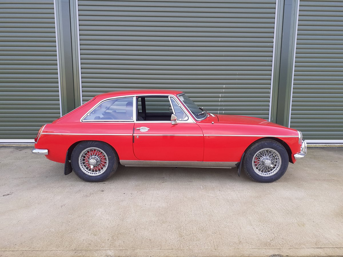 1969 MG MGB GT SOLD (picture 2 of 6)