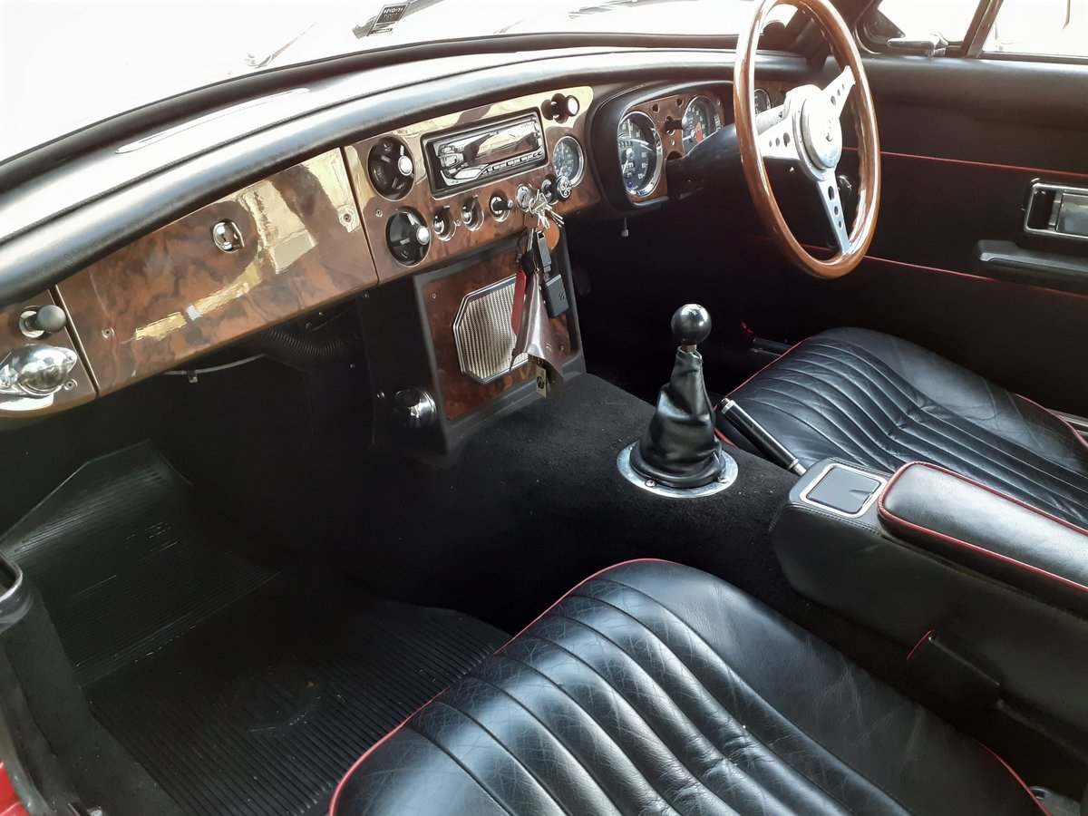 1969 MG MGB GT SOLD (picture 5 of 6)