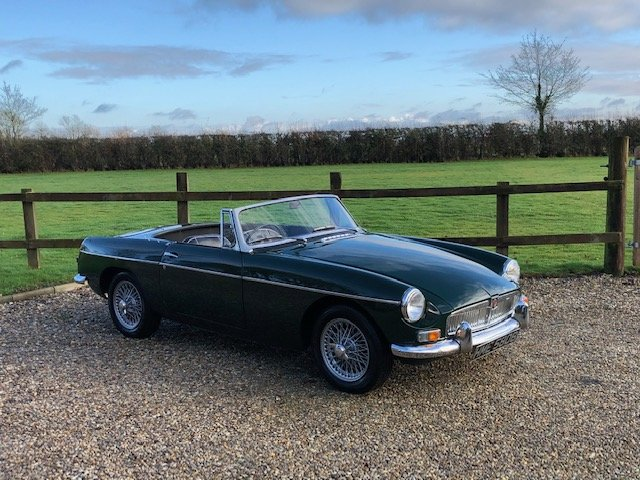 MGB Roadster 1964 Pull Handle classic car with overdrive SOLD (picture 1 of 6)