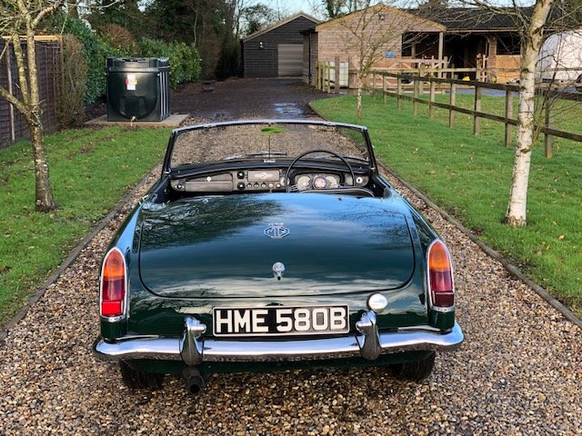MGB Roadster 1964 Pull Handle classic car with overdrive SOLD (picture 6 of 6)