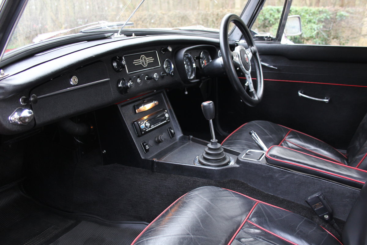 1966 MG B Roadster, Stage 2, 2.0 Spec, Beautiful Throughout For Sale (picture 10 of 20)