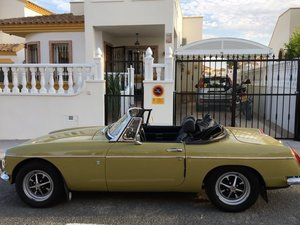 1973 MGB roadster convertible