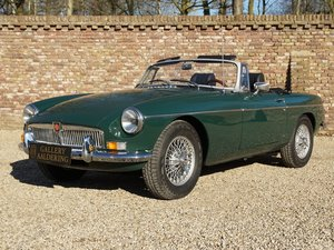 MG B Roadster fully restored condition, overdrive
