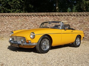 MG B Roadster fully restored, top condition, overdrive, uniq