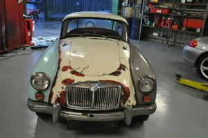 1961 MG MGA COUPE MK2 FACTORY BLACK CAR RED INTERIOR For Sale