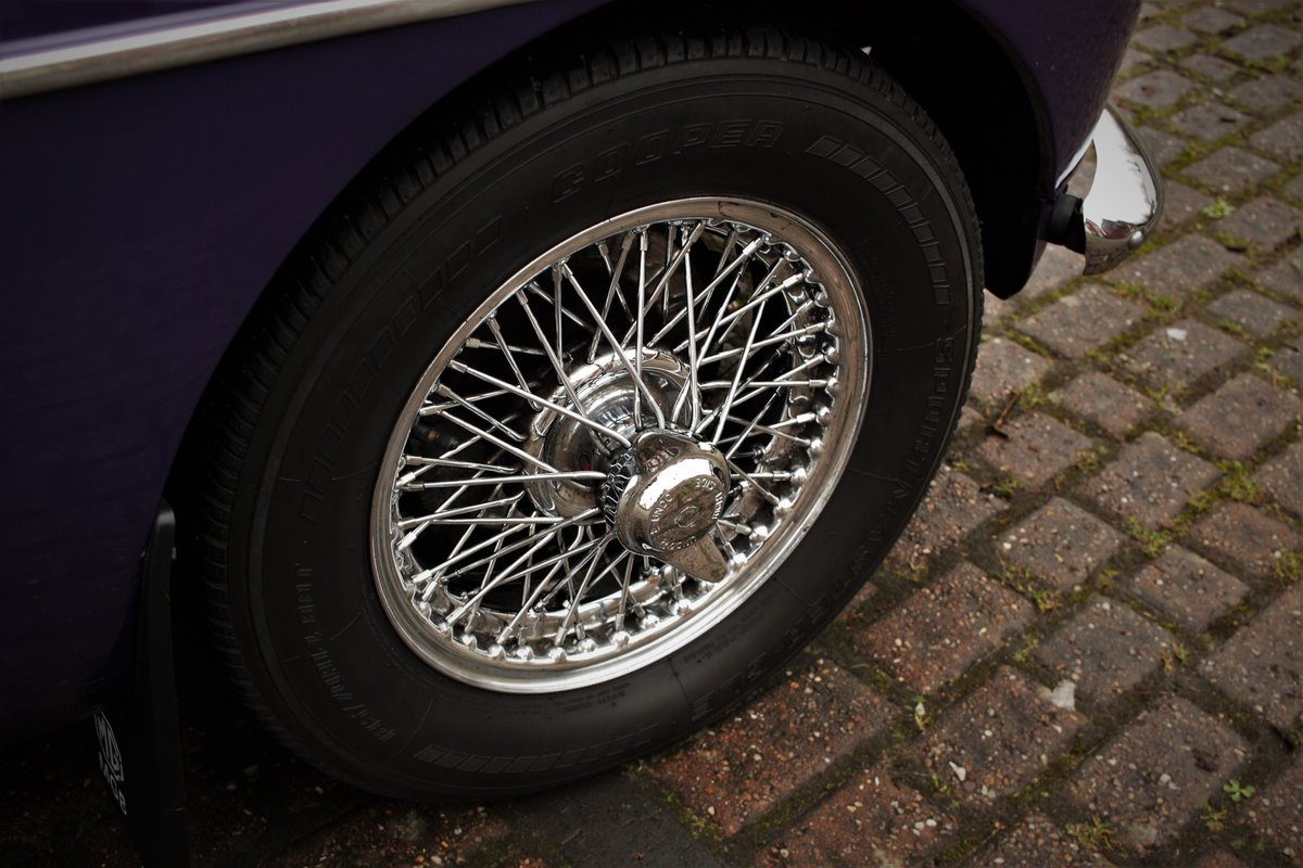 1974 MGB GT - Aconite - Chrome bumper, Wires MGBGT MG BGT SOLD (picture 5 of 6)