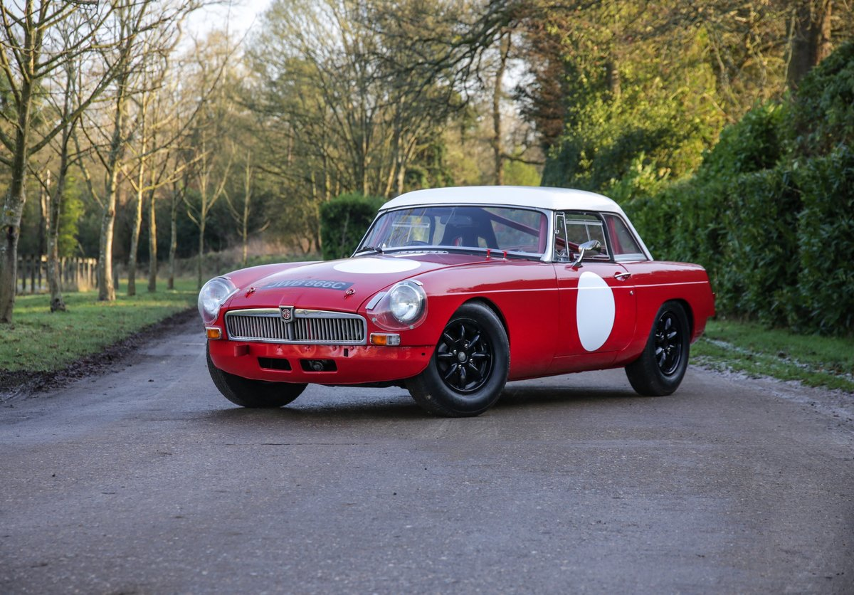 1965 MGB Roadster 'FIA - Appendix K' Race Car For Sale (picture 1 of 11)