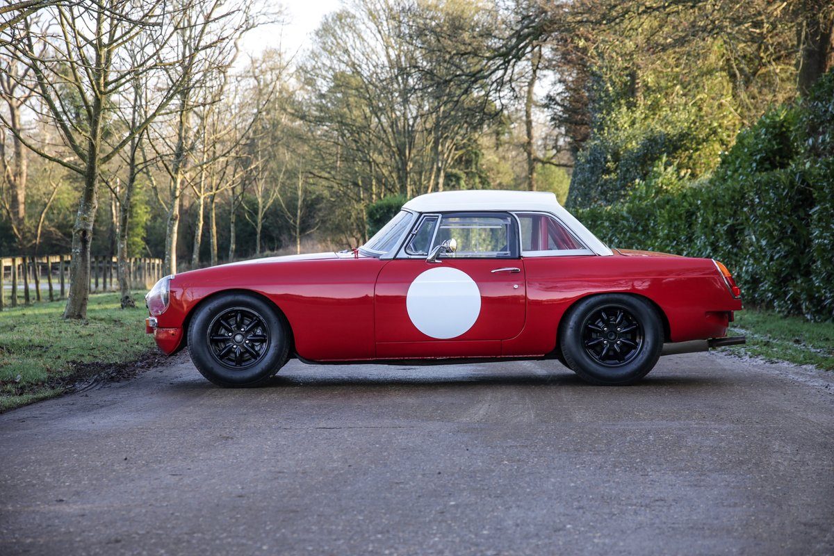 1965 MGB Roadster 'FIA - Appendix K' Race Car For Sale (picture 5 of 11)