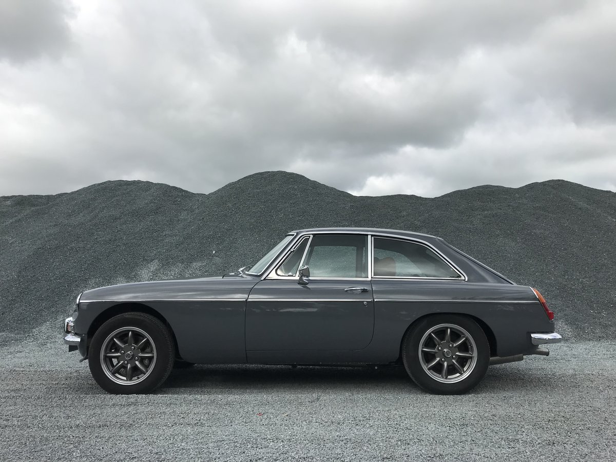 1976 MGB GT fully rebuilt with a 3.5 V8 engine  For Sale (picture 1 of 6)