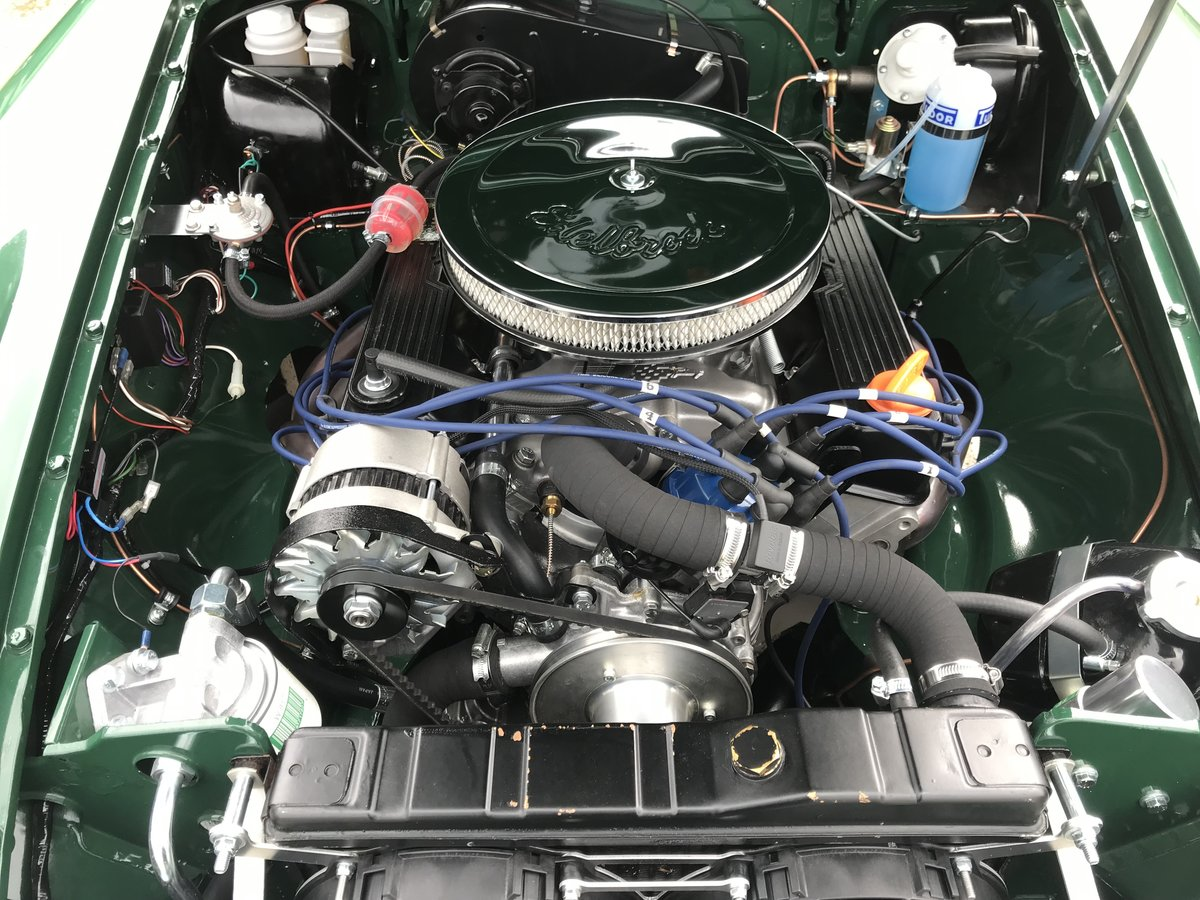 1976 MGB GT fully rebuilt with a 3.5 V8 engine  For Sale (picture 3 of 6)