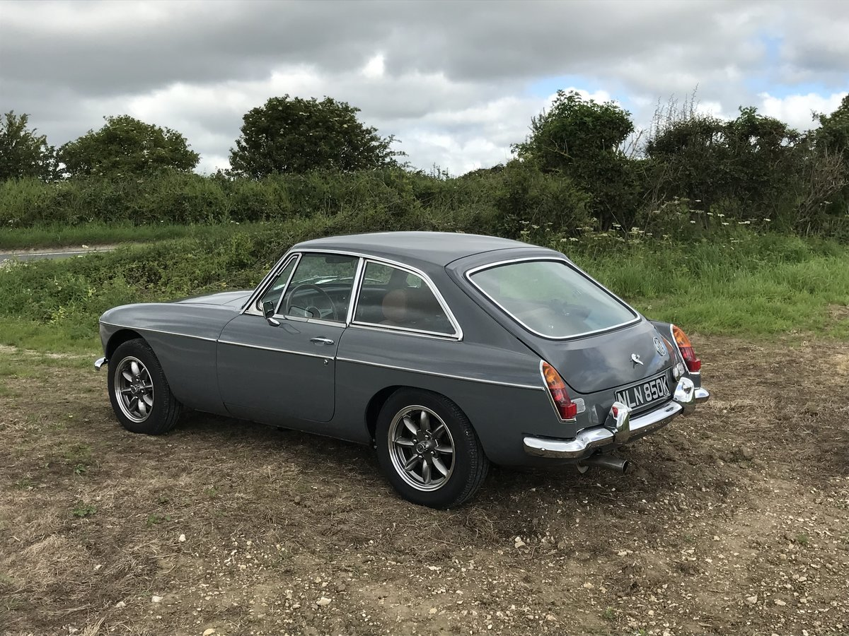 1976 MGB GT fully rebuilt with a 3.5 V8 engine  For Sale (picture 4 of 6)