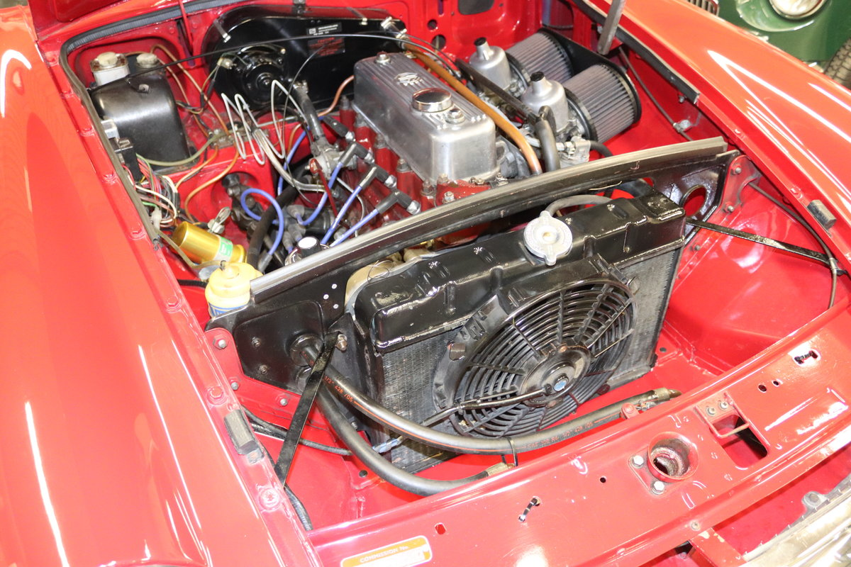 1969 MGB HERITAGE SHELL, Upgraded in tartan red For Sale (picture 4 of 6)