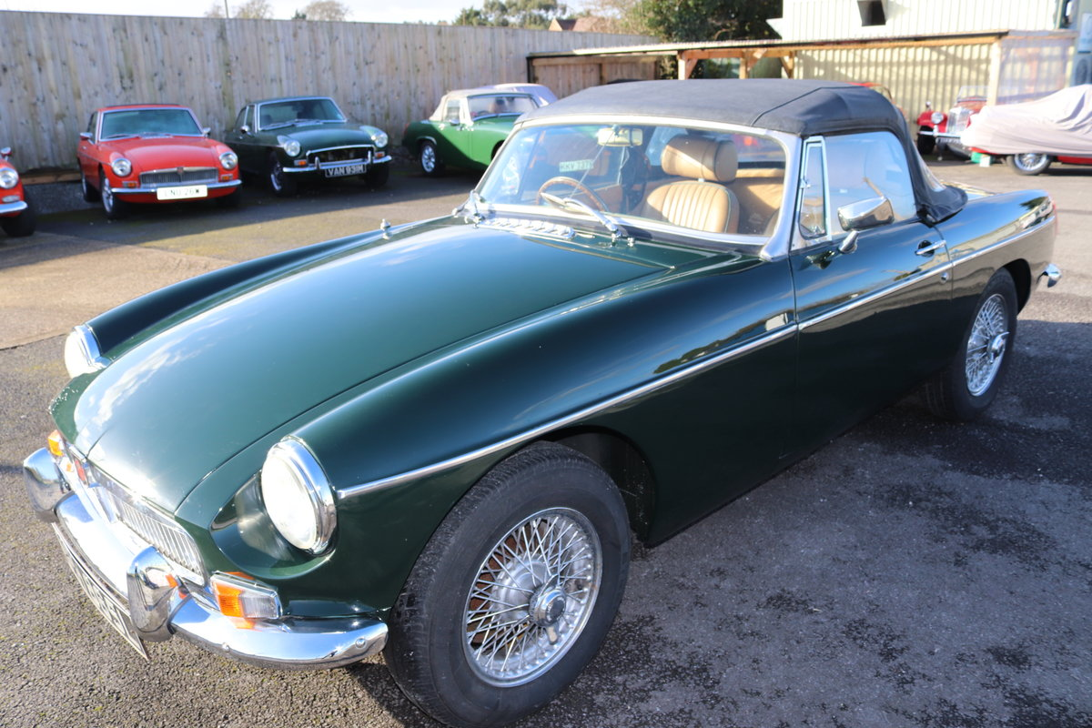 1972 MGB HERITAGE SHELL IN BRG,  For Sale (picture 1 of 6)
