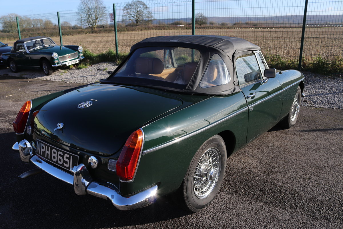 1972 MGB HERITAGE SHELL IN BRG,  For Sale (picture 2 of 6)