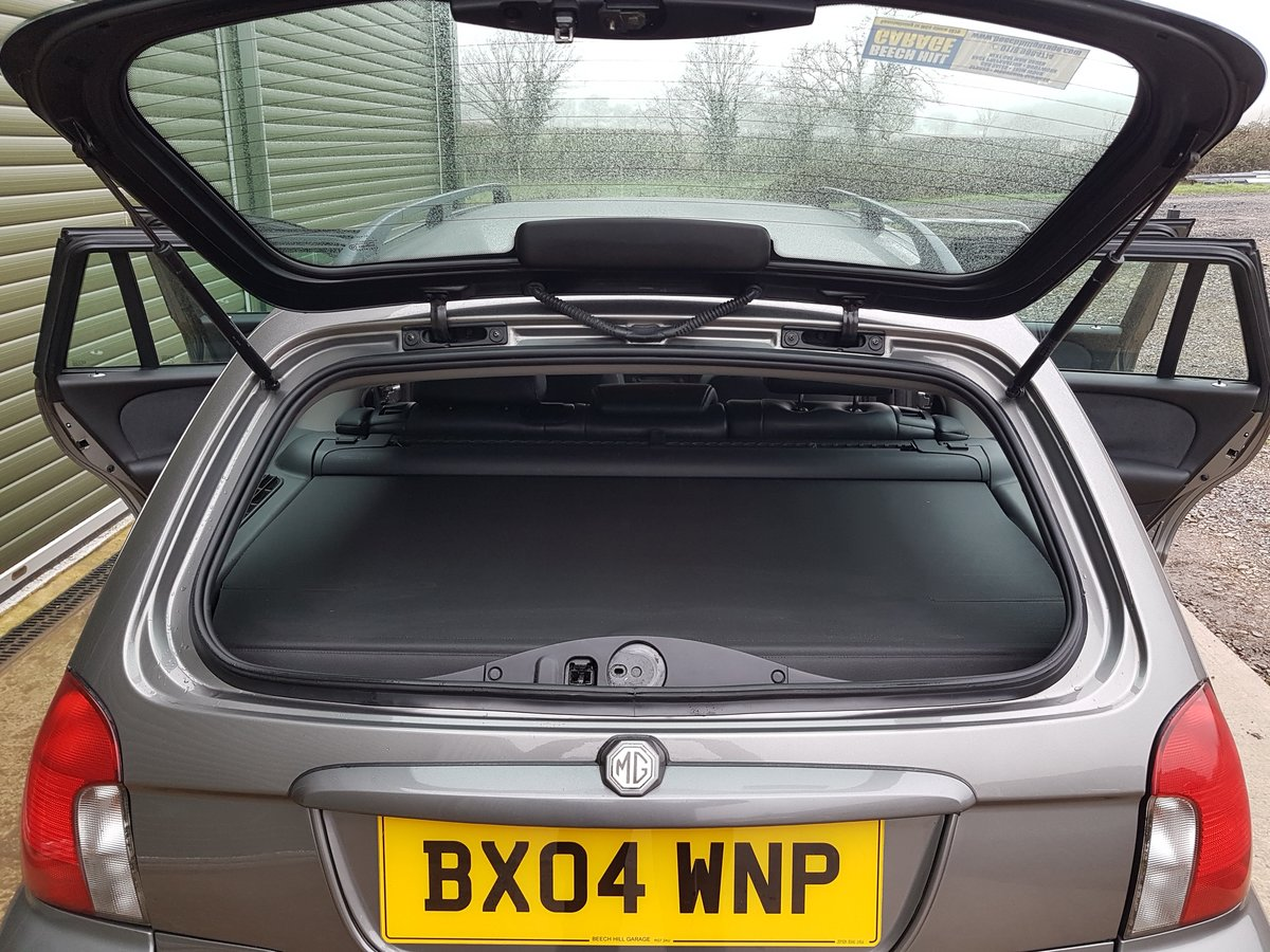 2004 MG ZT-T 260 V8 Tourer Meticulously Maintained SOLD (picture 3 of 6)