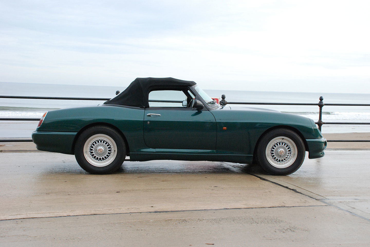 MG RV8 1993. One of only 330 original UK supplied cars SOLD (picture 2 of 10)