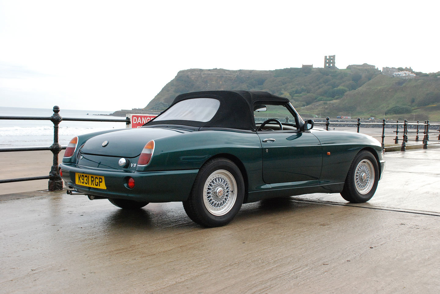 MG RV8 1993. One of only 330 original UK supplied cars SOLD (picture 3 of 10)