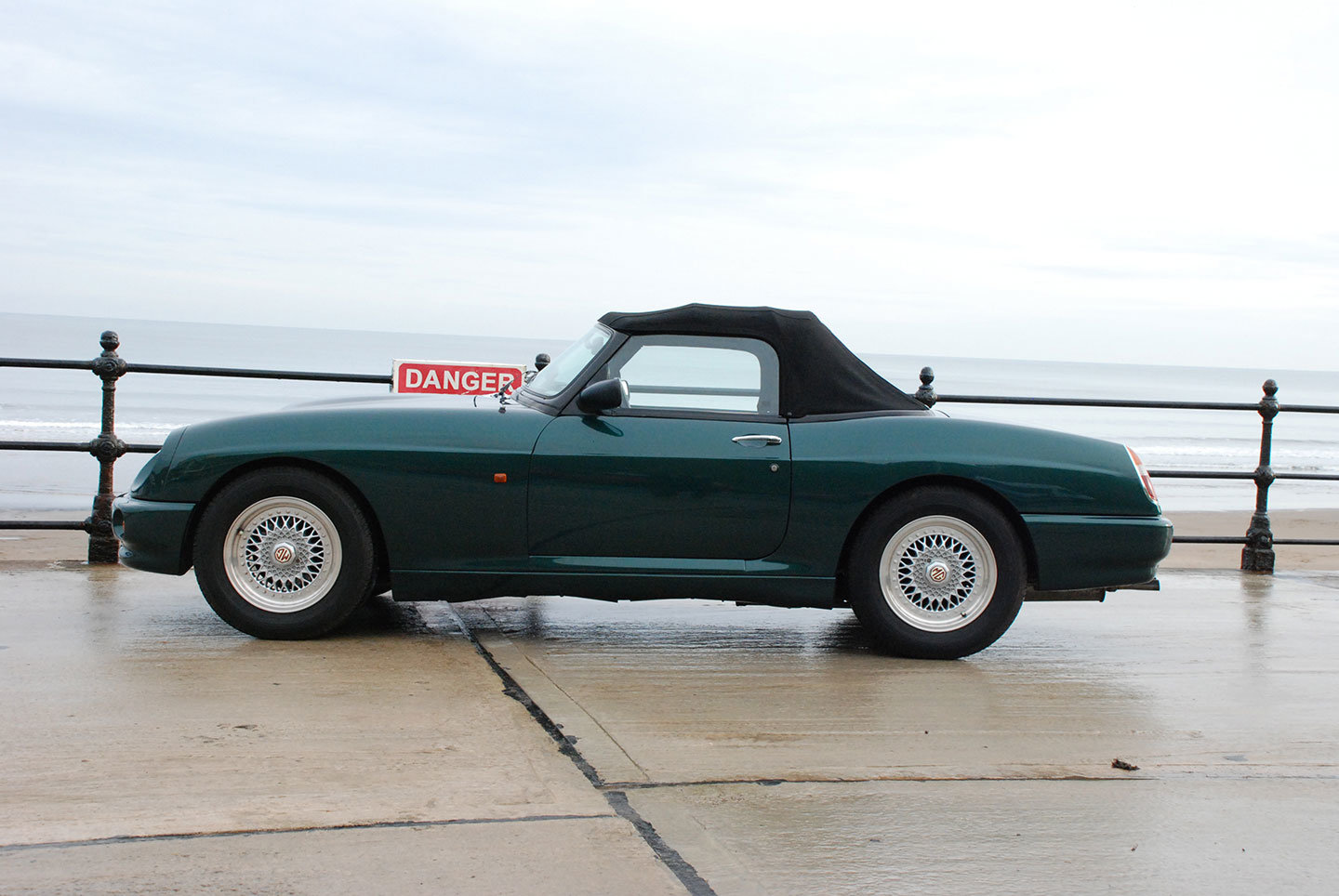 MG RV8 1993. One of only 330 original UK supplied cars SOLD (picture 6 of 10)