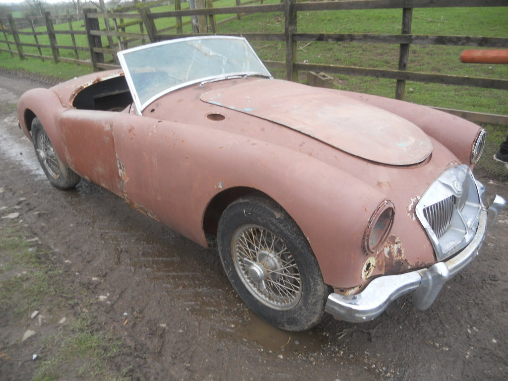 1958 MGA Roadster 1500cc car For Restoration US Import LHD  SOLD (picture 2 of 6)
