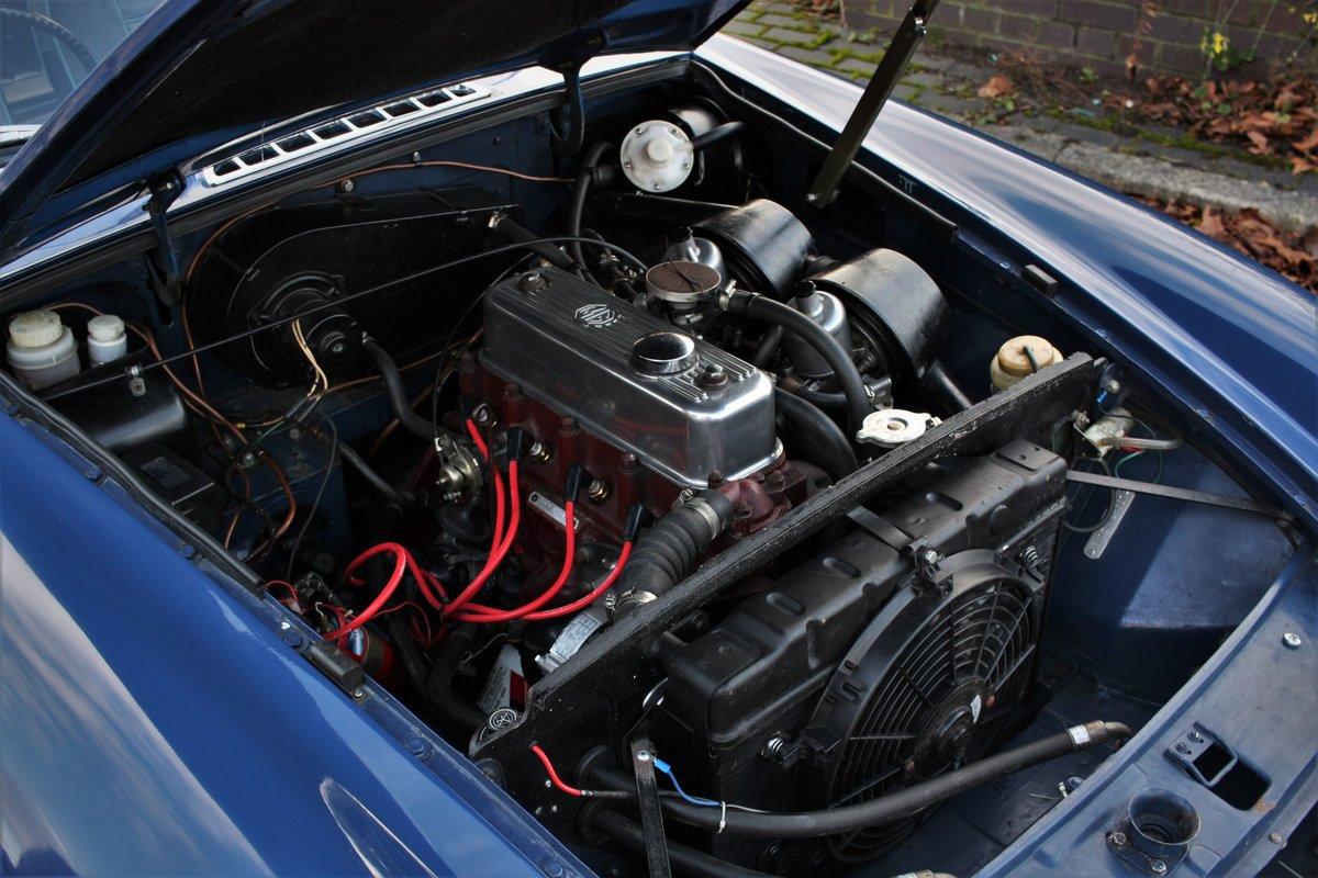 1967 Mk1 MGB GT - Mineral Blue, Disc Wheels - MGBGT MG BGT SOLD (picture 4 of 6)