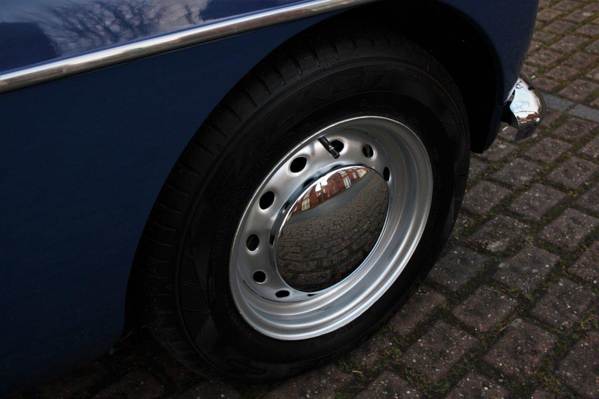 1967 Mk1 MGB GT - Mineral Blue, Disc Wheels - MGBGT MG BGT SOLD (picture 5 of 6)