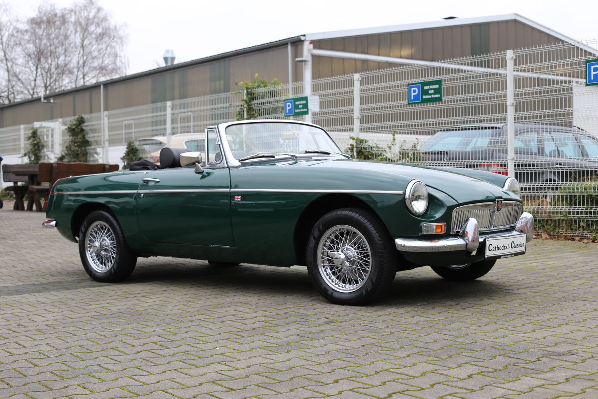 1969 A nicely presented 'ready for summer' LHD MG B Roadster SOLD (picture 1 of 6)