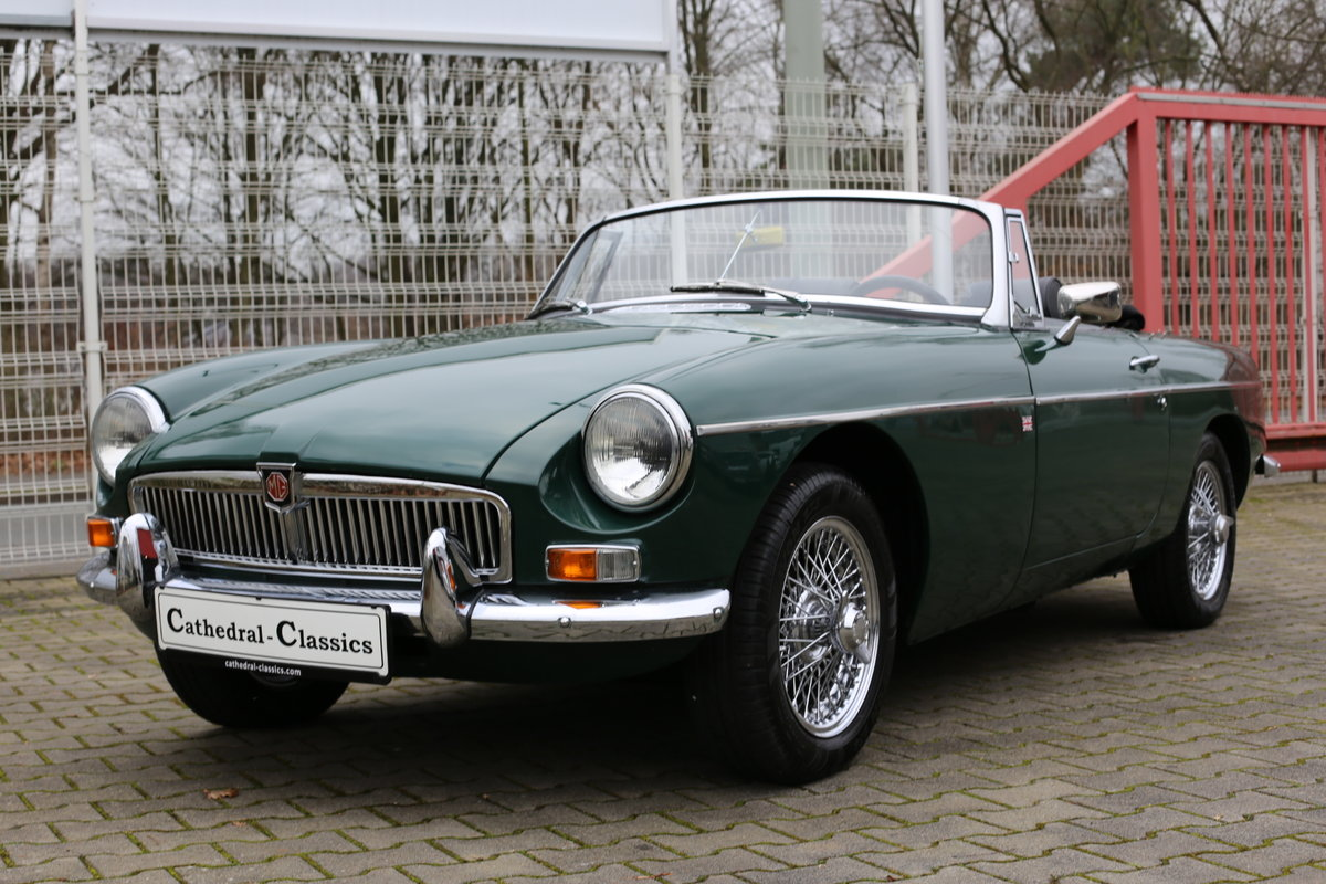 1969 A nicely presented 'ready for summer' LHD MG B Roadster SOLD (picture 5 of 6)