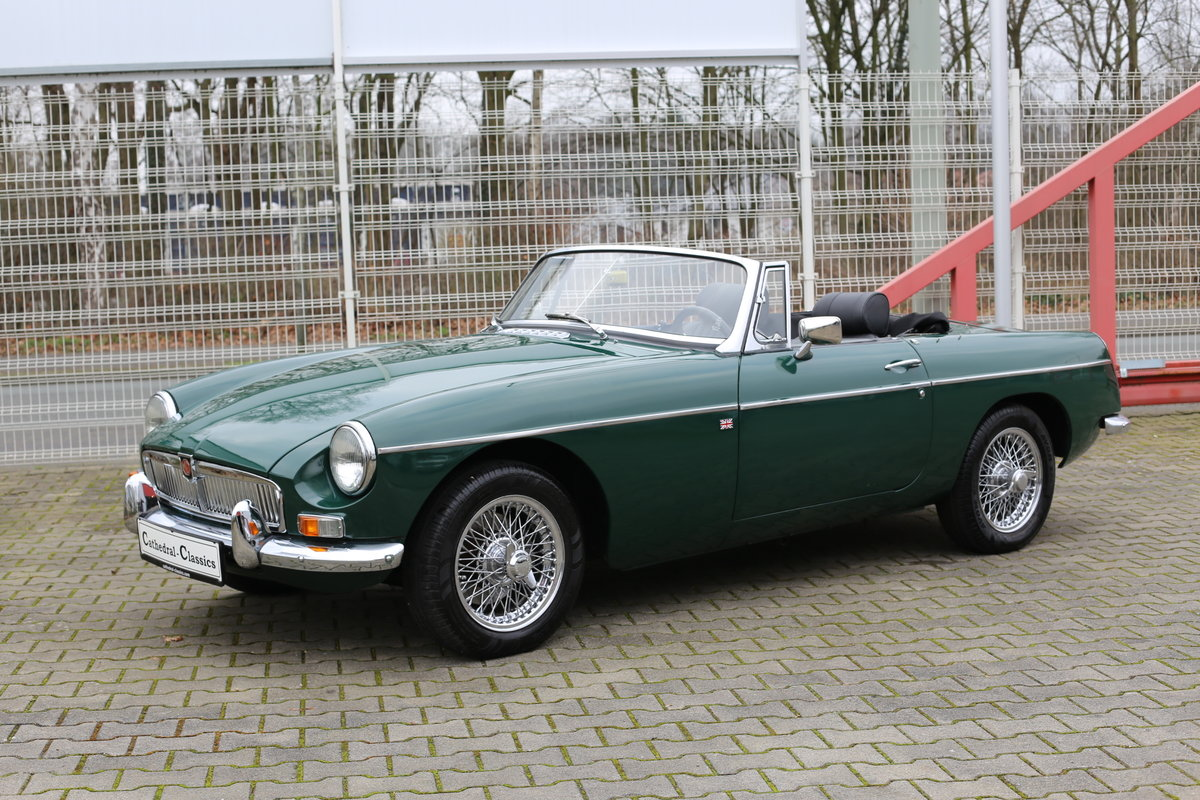 1969 A nicely presented 'ready for summer' LHD MG B Roadster SOLD (picture 6 of 6)