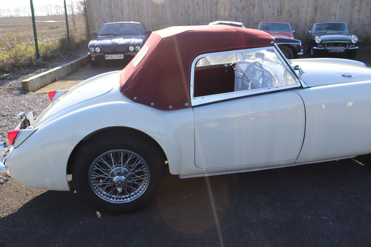 1957 MGA Roadster, full Restoration 2019, 5 speed For Sale (picture 5 of 6)