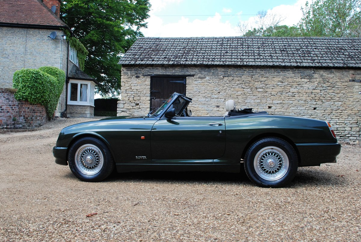 1995 A beautiful condition MG RV8 with just 6,000 miles For Sale (picture 2 of 6)