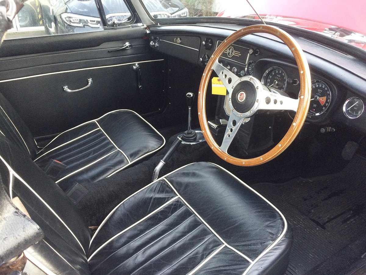 1968 MGB ROADSTER. O/D WIRE WHEELS For Sale (picture 3 of 6)