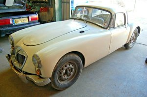 1961 MG MGA COUPE MK2 CAR RED INTERIOR UK MARKET CAR MKII For Sale
