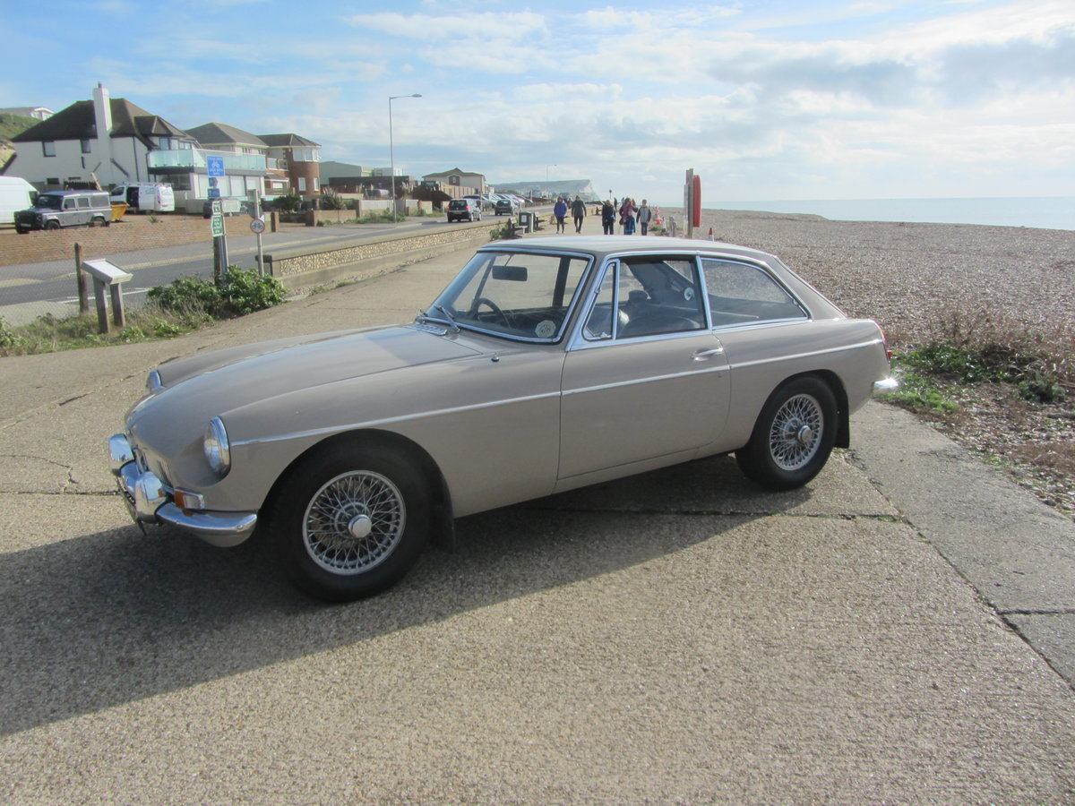 1969 MGB GT SERIES ! SUSSEX SOLD (picture 2 of 6)