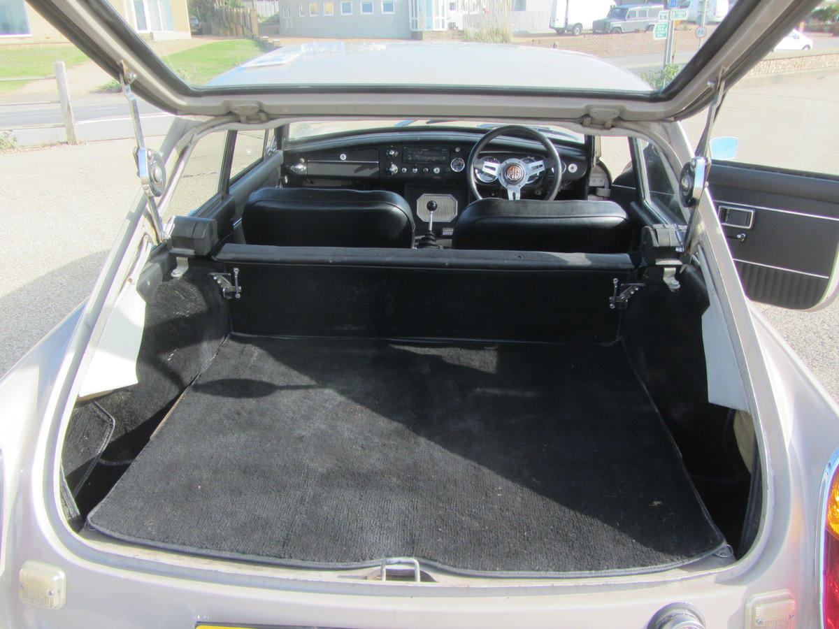 1969 MGB GT SERIES ! SUSSEX SOLD (picture 5 of 6)