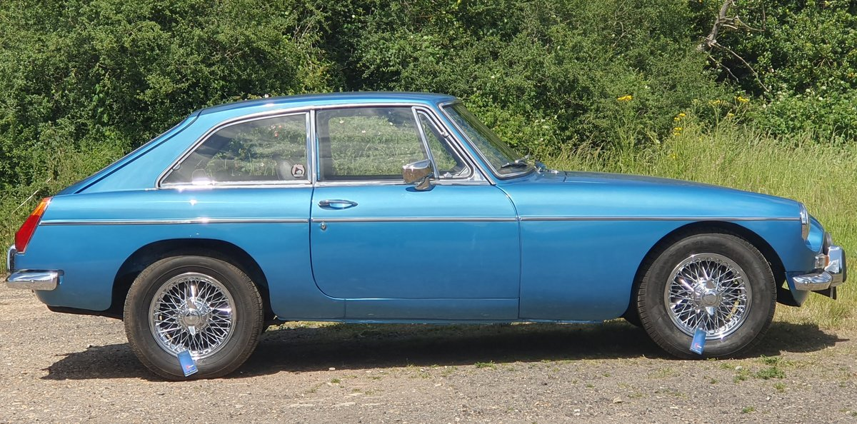 MG B GT, 1970, Riviera Blue, Automatic For Sale (picture 2 of 6)