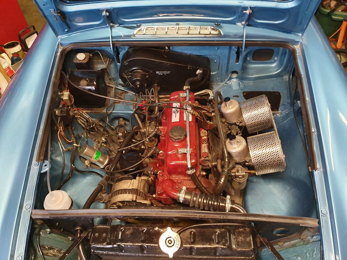 MG B GT, 1970, Riviera Blue, Automatic For Sale (picture 4 of 6)