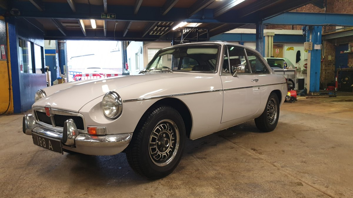 1975 MGB GT V8 - Well maintained car For Sale (picture 1 of 6)