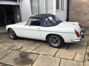 1972 MGB roadster white