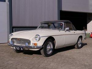 1964 MG B Roadster