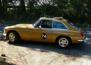 MGB GT classic cars