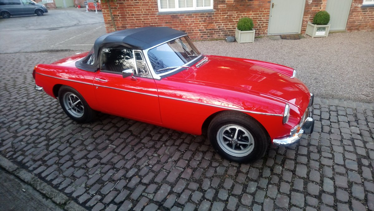 MGB Roadster 1972 Flame Red Outstanding Example SOLD (picture 3 of 6)