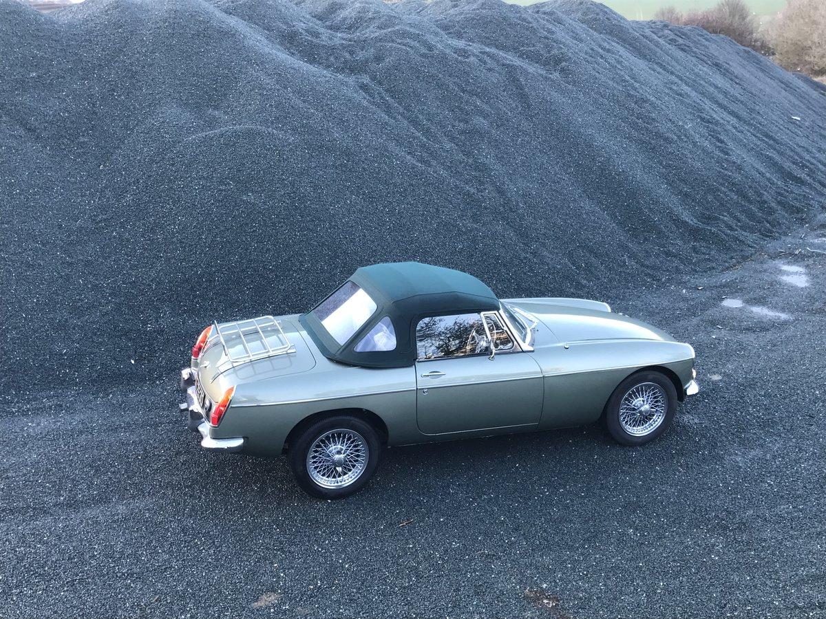 1970 MGB Roadster 3.5 V8 full rebuild on new bodyshell For Sale (picture 5 of 6)