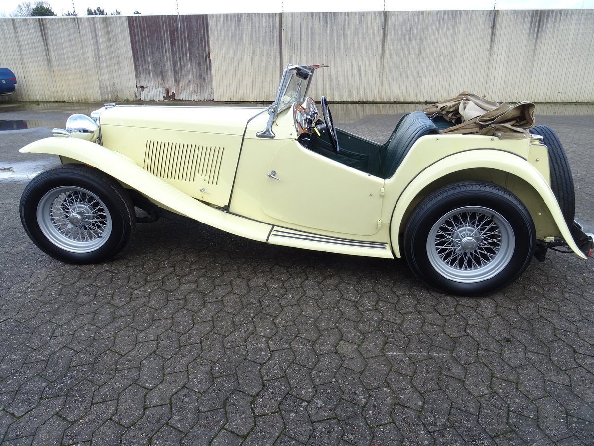 1947 MG TC Sequoia Cream with Green leather interior For Sale (picture 3 of 24)