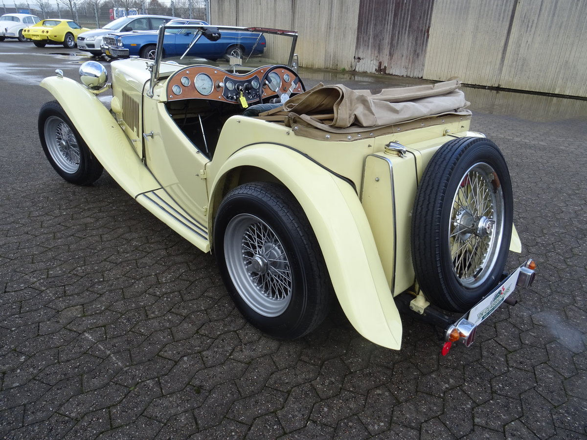 1947 MG TC Sequoia Cream with Green leather interior For Sale (picture 6 of 24)