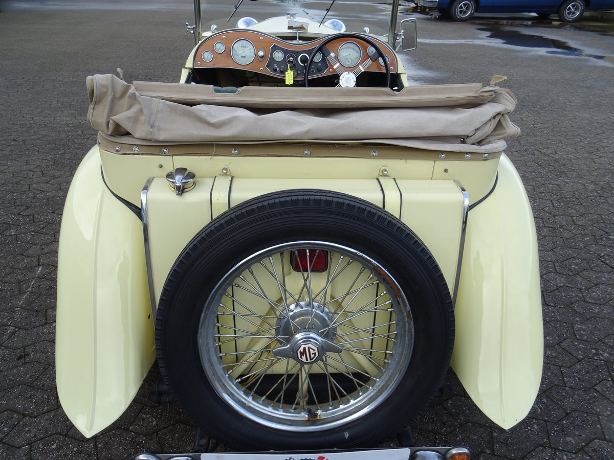 1947 MG TC Sequoia Cream with Green leather interior For Sale (picture 7 of 24)