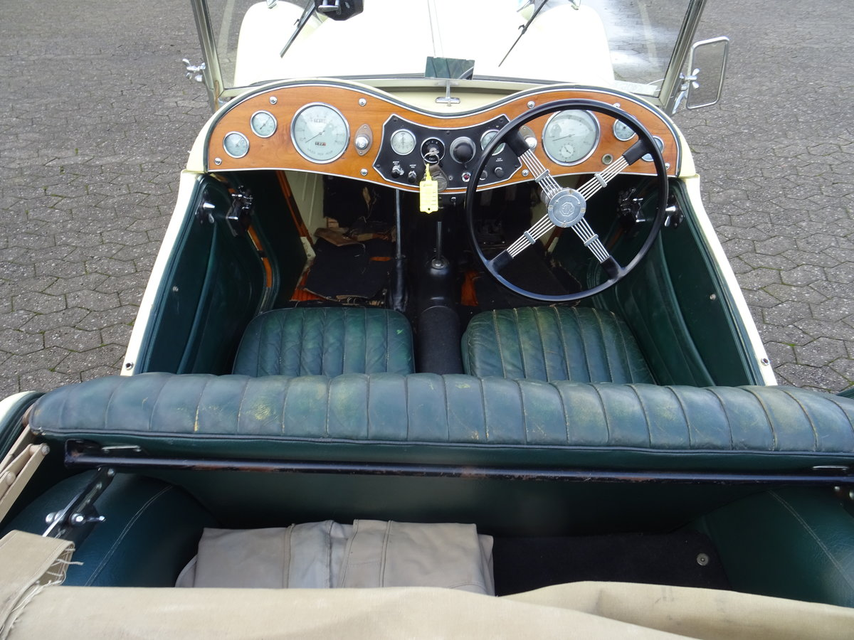 1947 MG TC Sequoia Cream with Green leather interior For Sale (picture 8 of 24)