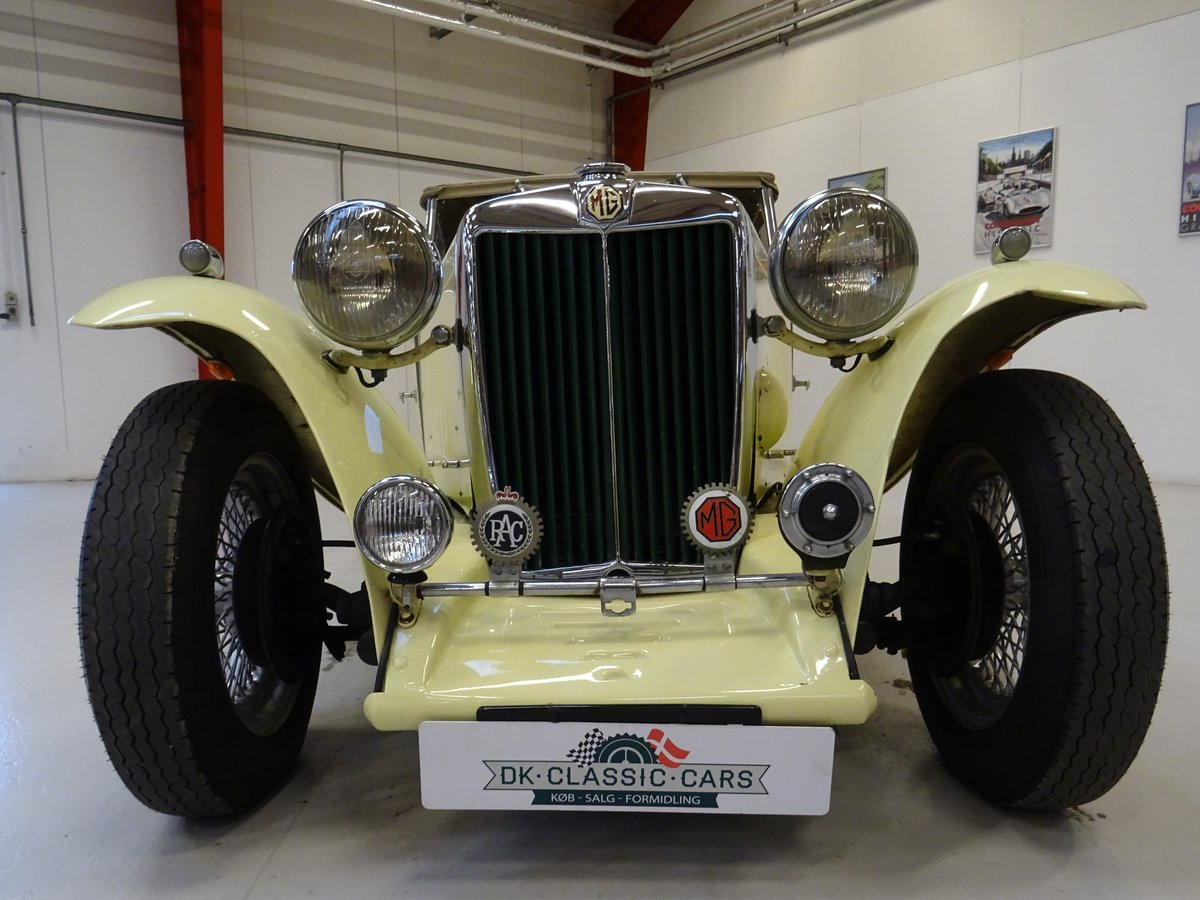 1947 MG TC Sequoia Cream with Green leather interior For Sale (picture 10 of 24)
