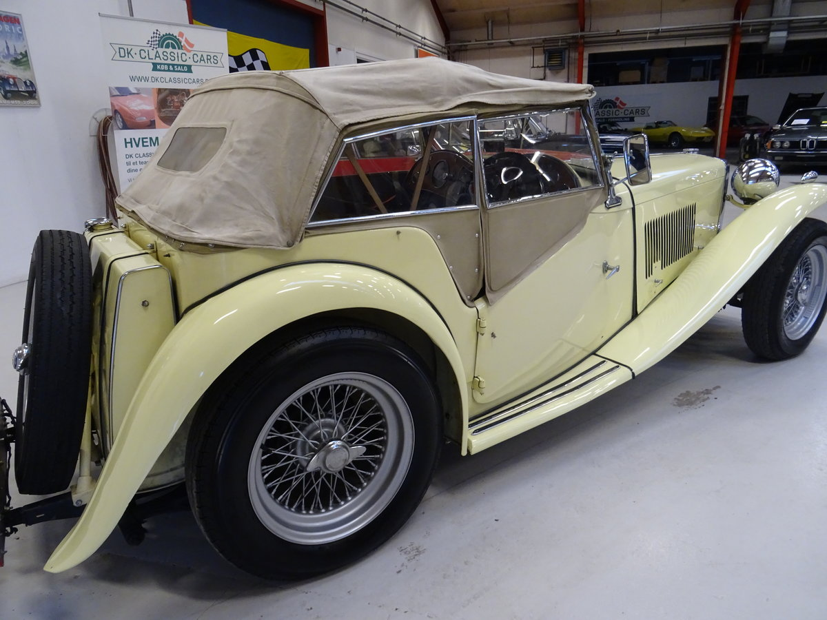 1947 MG TC Sequoia Cream with Green leather interior For Sale (picture 13 of 24)